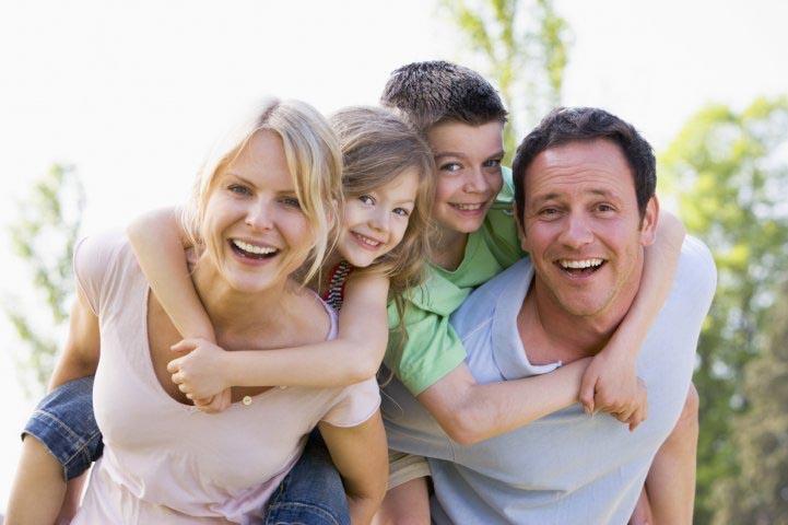 Фото семья с ребенком