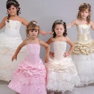 Как выбрать нарядные платья для девочек?