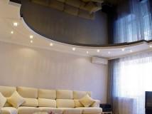 Особенности изготовления глянцевого потолка