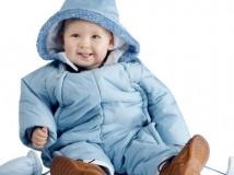 Демисезонные комбинезоны для малышей
