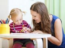 Как выбрать няню и репетитора: важные советы для родителей